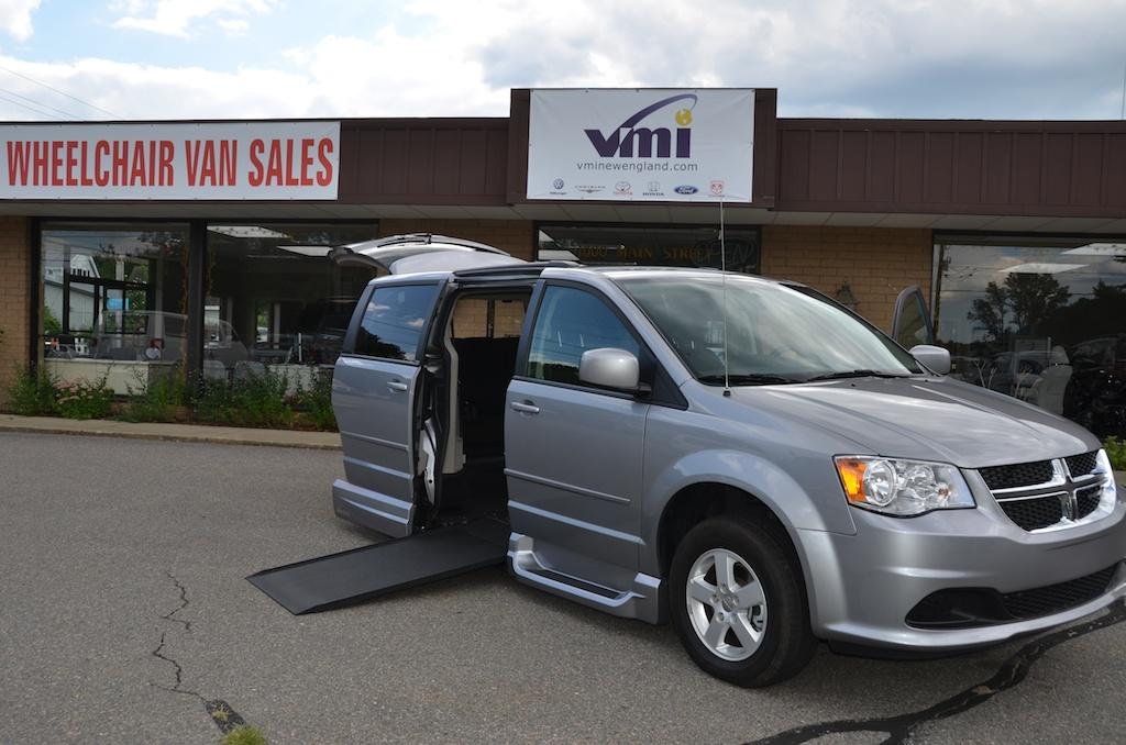 Rear Entry Vs Side Entry Handicap Accessible Minivans