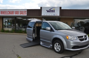 2013 Dodge Grand Caravan SXT  Side Entry